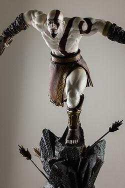 God of War Statue 1/4 Lunging Kratos 48 cm